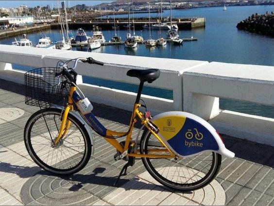 ByBike – poLas Palmas na žlutých kolech